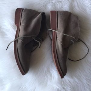 6942717ee3c84d Tommy Hilfiger Shoes - Men s Suede Chukka Boots